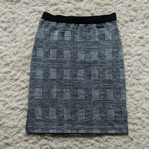 Jones New York White, Black, and Gray Plaid Skirt